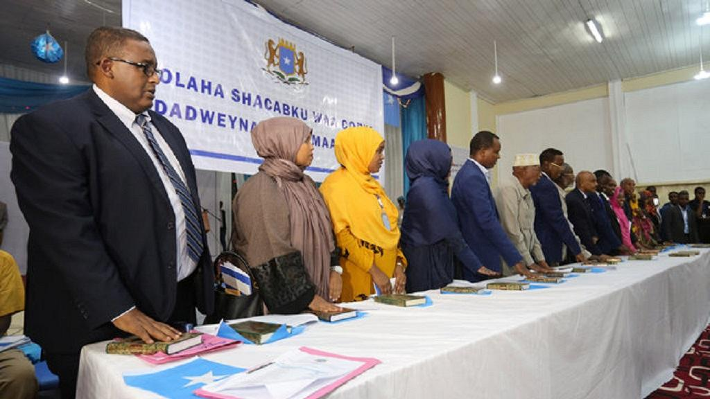 International community warns Somalia's new Parliament against corruption